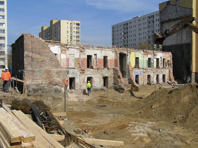 Prace budowlane przy Łomżyńskiej 20