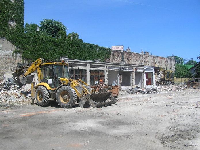 Wyburzenie pawilonów przy Targowej 12