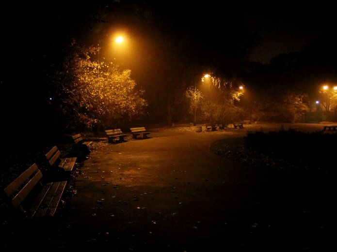 Park Praski nocą