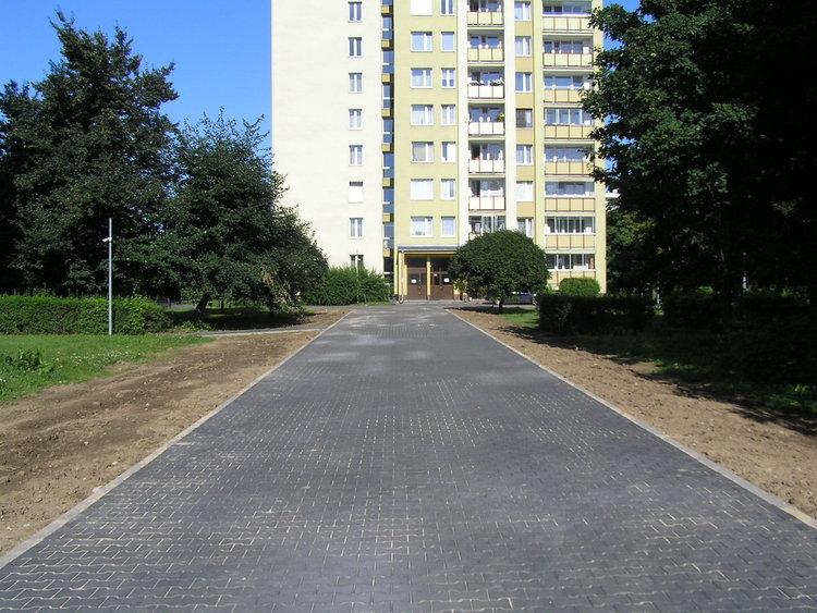 Nowa aleja pieszo-jezdna na osiedlu Ostrobramska