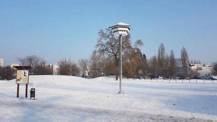 Wieża dla jaskółek na Pradze Południe