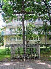Jagiellońska 62 - krzyż drewniany