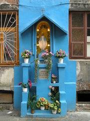 Ząbkowska 12 - kapliczka na podwórku
