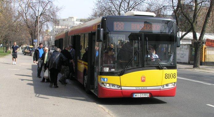 Autobus linii 138 na Radzymińskiej