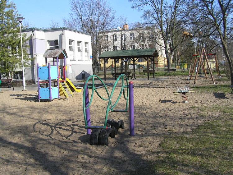 Plac zabaw na terenie OPP nr 1 Jordanek wparku Leśnika