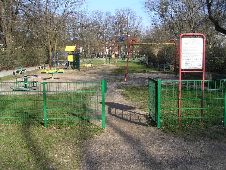 Plac zabaw wparku Leśnika