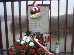 Tablica na moście Śląsko-Dąbrowskim