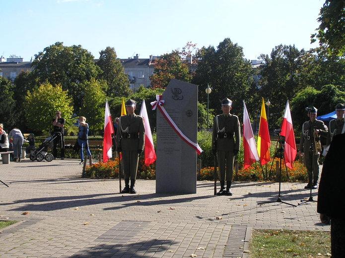 Odsłonięcie tablicy 6-XXVI Obwodowi Praga Armii Krajowej