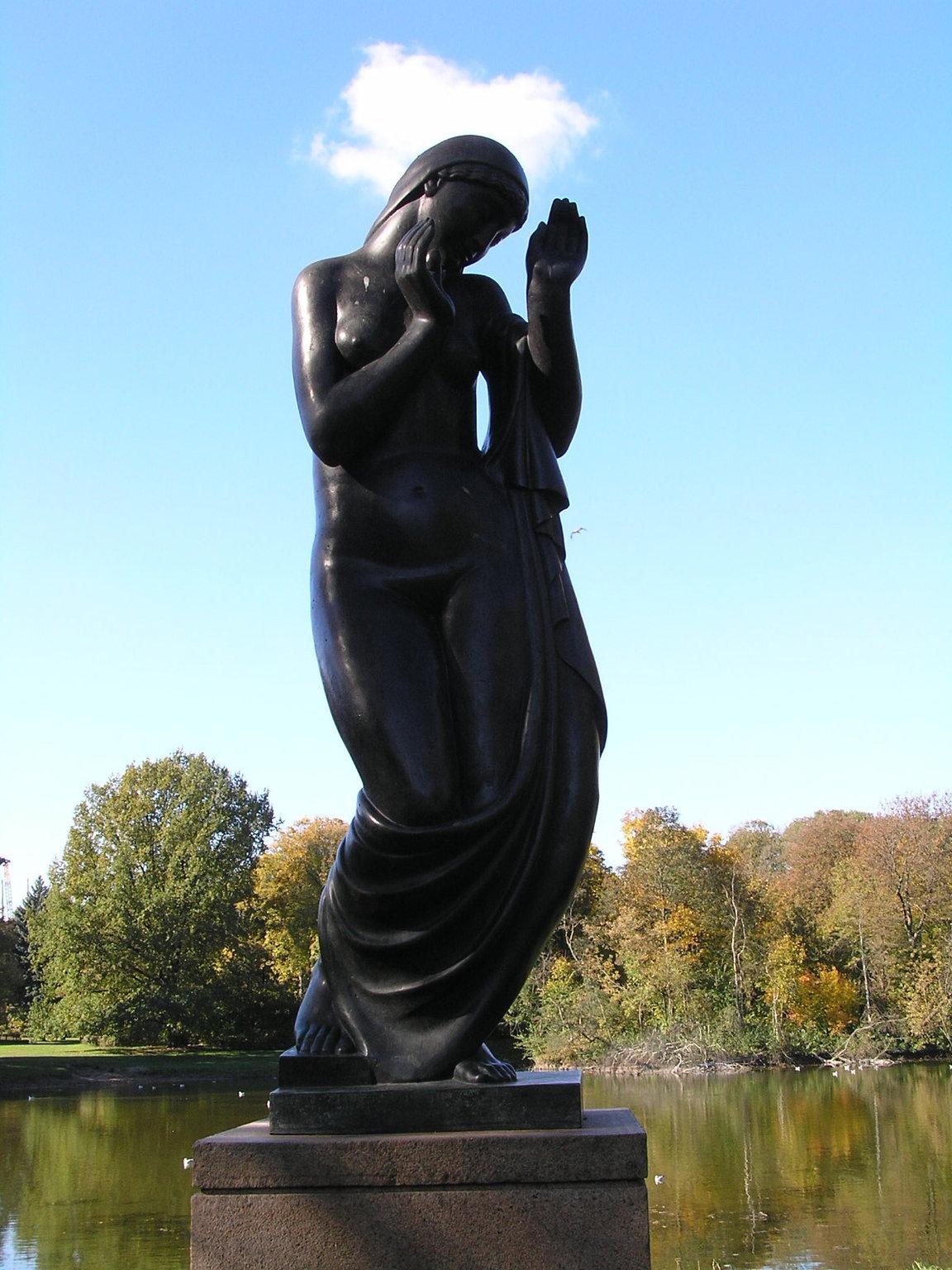 Rzeźba Rytm wparku Skaryszewskim