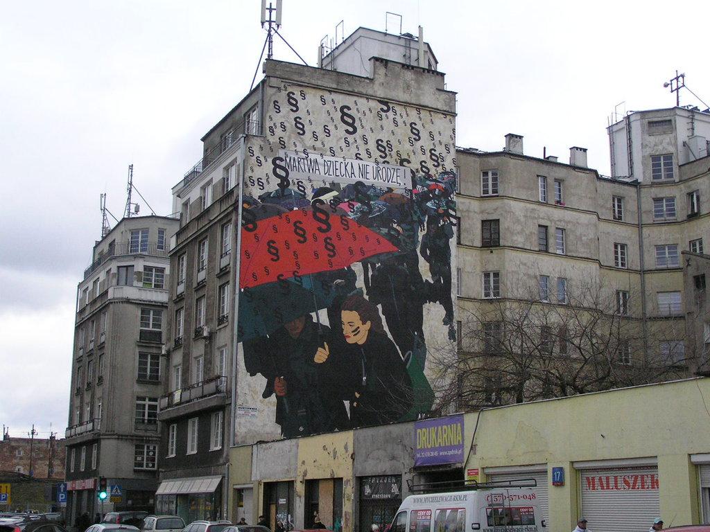Mural Martwa dziecka nie urodzę przy ulicy Targowej 15