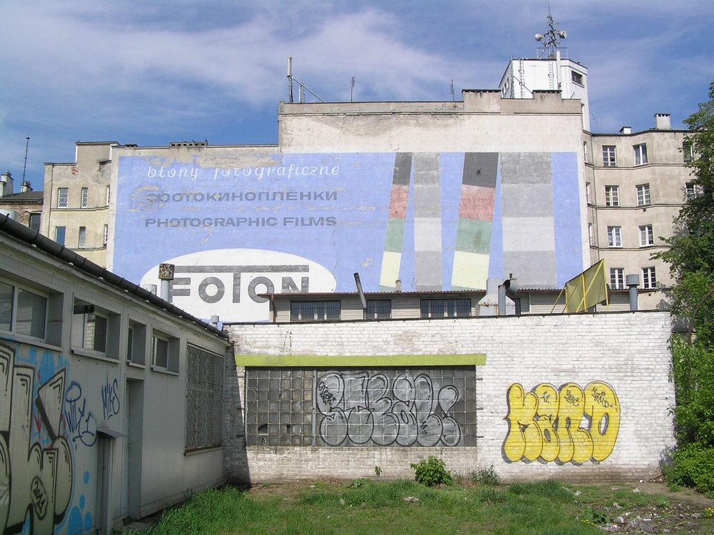 Mural Foton przy Targowej 15 wWarszawie
