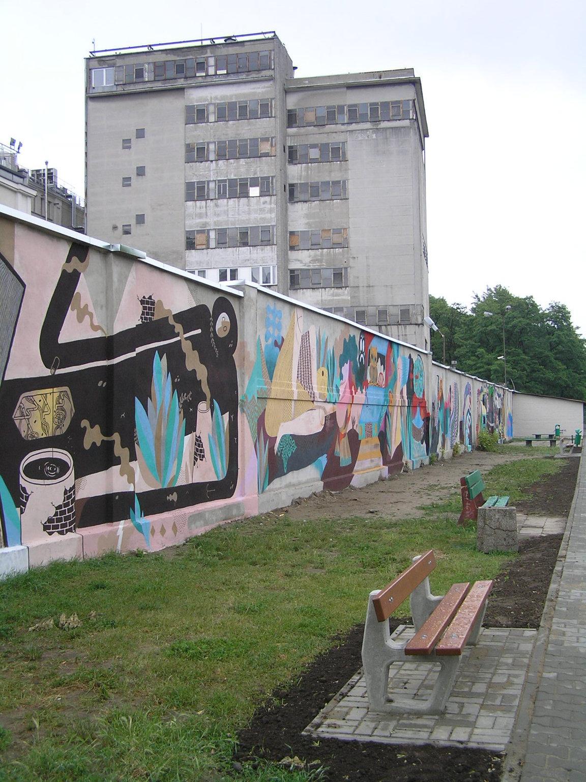 Mural na murze fabryki Wedla